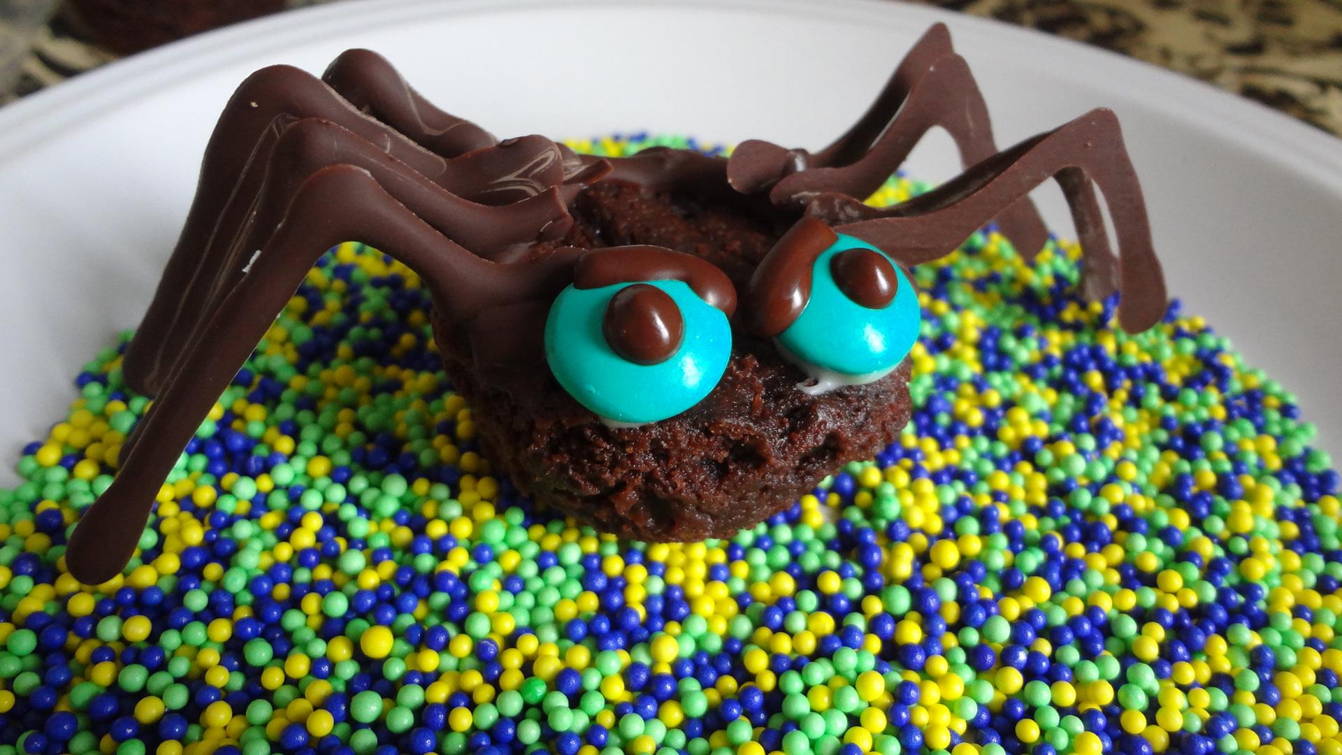 chocolate spiders for halloween - Halloween Chocolate Spiders