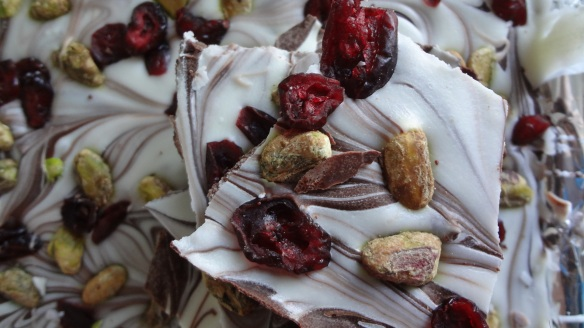 Pistachio + Cranberry Bark - homemade gift idea!